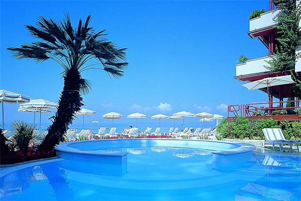 Udsigt fra hotel ved Gardasøen